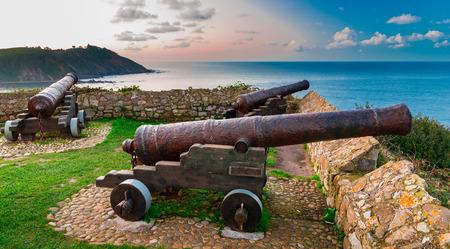 Beroemde kanonnen van de hermitage van Guia.Ribadesella.Asturias.