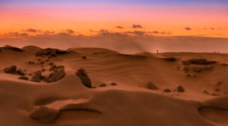Maspalomas. Isla de Gran Canaria의 모래 언덕에서 일몰과 깨끗한 모래