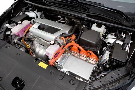 hybrid car: Hybrid car engine