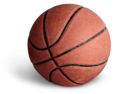 Vieux ballon de basket sur blanc Banque d'images