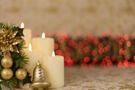 botas de navidad: Greeting Christmas card with burning candles and ornaments