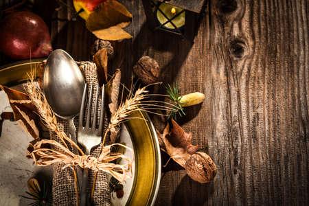 秋のテーブルセッティング 写真素材