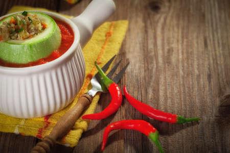 chiles picantes: Calabacín relleno con pimientos picantes