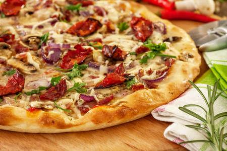 薪オーブン焼きのピザ
