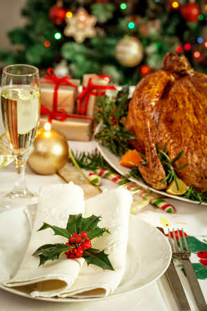 traditional christmas dinner: Christmas turkey dinner table
