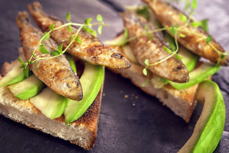 food state: Sandwich with sprats and avocado
