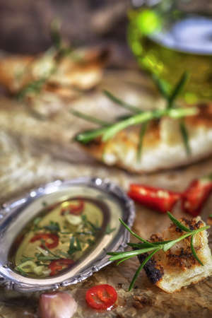 イタリアの前菜 - オリーブ オイルとハーブの前菜 写真素材
