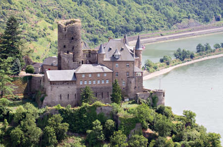 burg: Burg Katz overloooking the Rhine Valley, St. Goarshausen, Germany