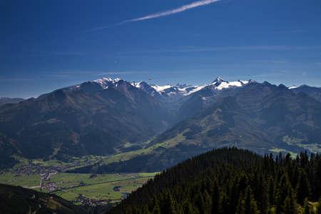 grossglockner: Panorama of the Grossglockner as seen from Schmittenhoehe, Austria