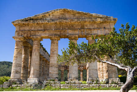 Ancient Greek Temple of Segesta, Sicily, Italy Stok Fotoğraf - 19661865