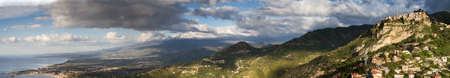 vulcano: Panorama of the sicilian east coast with the Etna vulcano, Italy