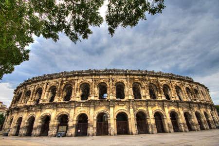 roman amphitheatre: Anfiteatro romano en Nimes, Provence, Francia Foto de archivo