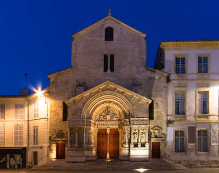 arles: Church of St  Trophime at twilight, Arles, Provence, France Stock Photo