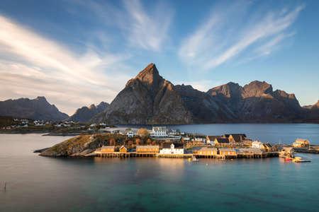 Fishing village of Sakrisoy - Long exposure version, Lofoten, Norway Banque d'images