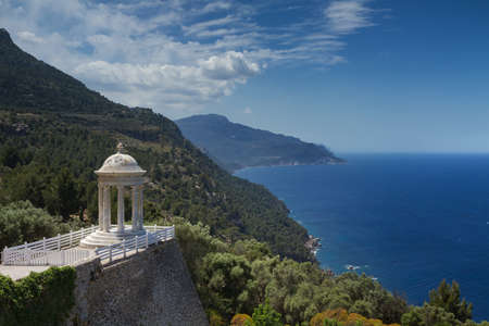 Temple overlooking the coast of Mallorca, Spain Standard-Bild