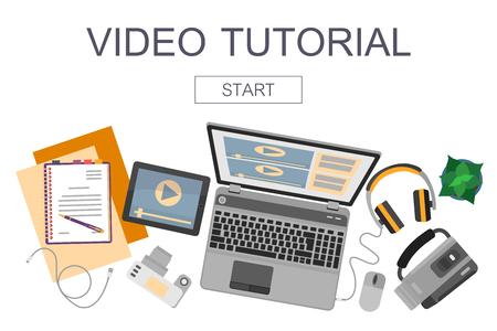 Draufsicht auf Arbeitsplatz mit Geräten für Video bearbeiten, Tutorials und Postproduktion.