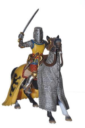 vestidos de epoca: Caballero a caballo con armadura completa Foto de archivo