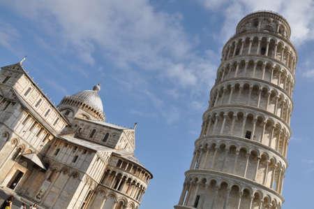 Scheve Toren van Pisa renaissance wolkenkrabber Stockfoto