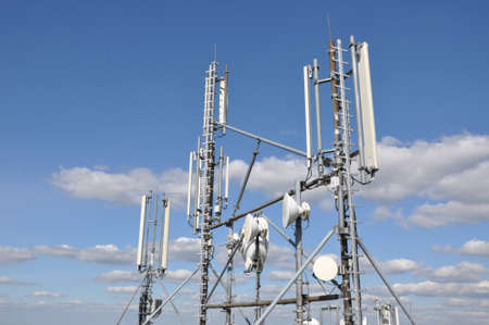 high frequency: Masts and antenna cellular systems