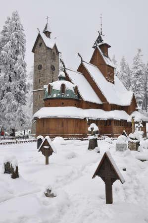 wang: Iglesia de madera Wang en Karpacz en invierno