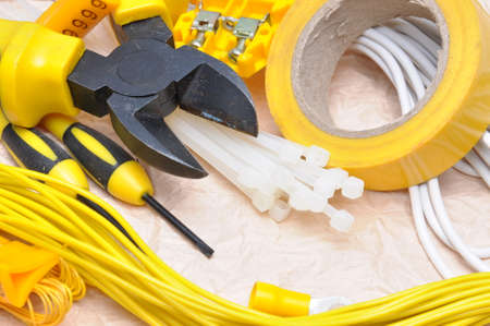 Outils et composants pour l'installation électrique Banque d'images - 42549693
