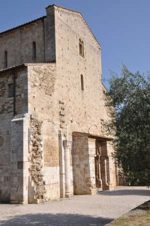 antimo: Abbazia di Sant Antimo, Benedictine monastery Montalcino, Tuscany, Italy