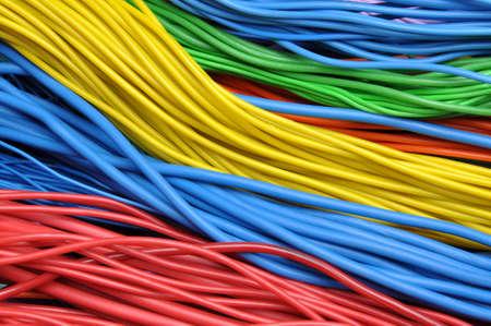 Cable network: Cables el�ctricos de colores Foto de archivo