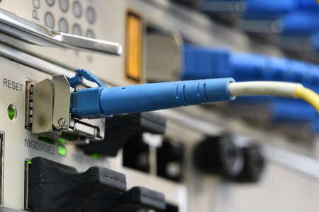 光ファイバー パッチコード パッシブ ライン ユニット、ものデバイスのインターネットにおける情報技術との接続