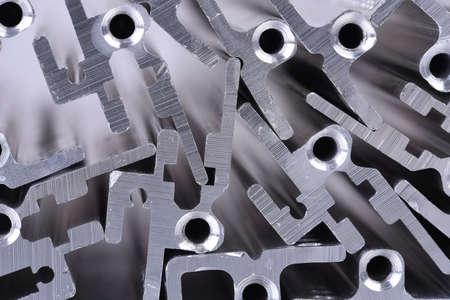 Primer plano de perfiles de aluminio