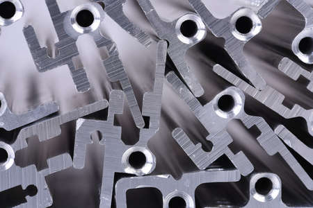 Zbliżenie profili aluminiowych