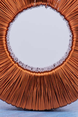 Copper coil magnetic field close-up Banque d'images