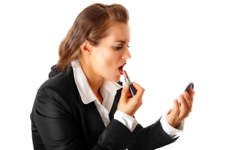 mujer maquillandose: mujer de negocios modernos aplicar maquillaje aislado sobre fondo blanco