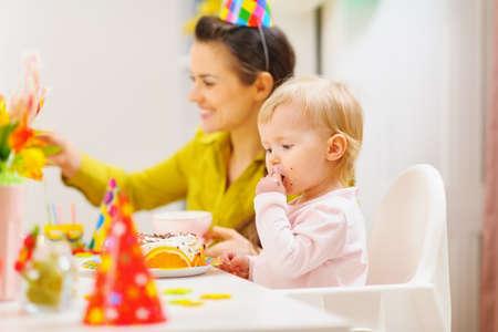 eat smeared baby: Los beb�s primera fiesta de cumplea�os