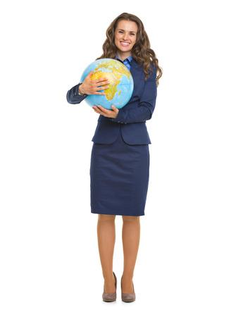 full length: Full length Portret van glimlachende zaken vrouw knuffelen wereld