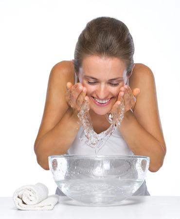 caras de emociones: Cara feliz lava de la mujer joven Foto de archivo