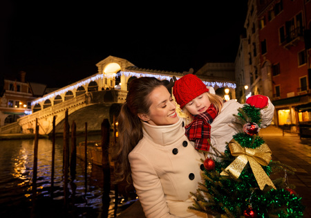 modern family take the best of christmas season by having a fascinating trip to venice - Modern Family Christmas