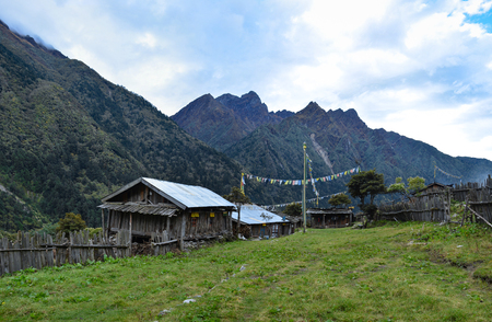 View of the tibetian village Phole (Phere) on the way to Ghunsa. Trek to Kangchenjunga base camp, Nepal