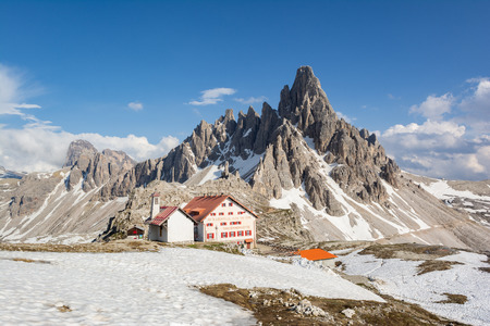 Mount Paterno (Paternkofel) and Rifugio Locatelli (Drei Zinnen). Parco Naturale Tre Cime, South Tyrol, Italy