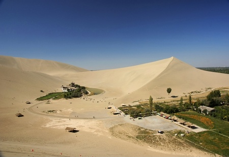 歌う砂の山と三日月湖 写真素材