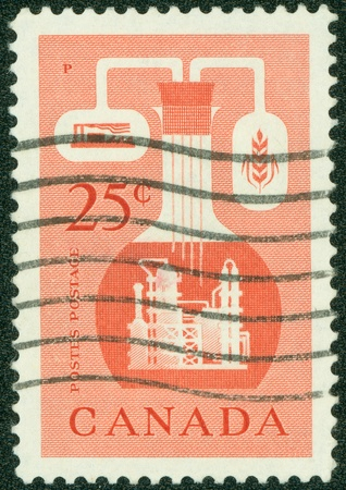 postes: CANADA - CIRCA 1956  A stamp printed in Canada issued to emphasize the importance of the chemical industry in the economy of Canada, circa 1956