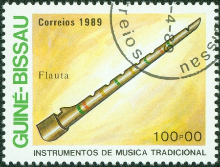 guinee: GUINEE BISSAU CIRCA 1989  stamp printed by GUINEE BISSAU, shows Traditional Musical Instruments flute , circa 1989