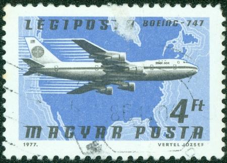 boeing 747: UNGHERIA - CIRCA 1977 Un timbro stampato in Ungheria mostra Boeing 747, circa 1977 Editoriali