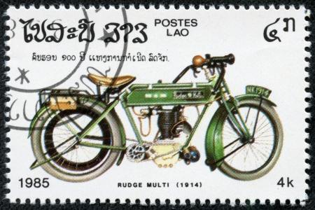 カンボジア - 1985 A スタンプ年頃印刷 ruge マルチ 1914 年、1985 年頃のビンテージ バイクのカンボジア ショー画像
