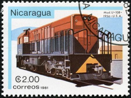 locomotora: NICARAGUA - CIRCA 1981 Un sello impreso en Nicaragua muestra la locomotora, alrededor de 1981