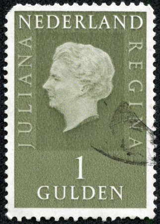 nederlan: . NETHERLANDS - CIRCA 1969: A stamp printed in Netherlands shows portrait of Queen Juliana Was Queen of Netherlands in the period September 4, 1948 to April 30, 1980. Editorial