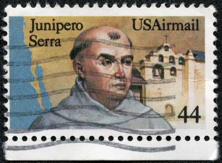重慶, 中国 - 2014 年 5 月 10 日: アメリカ合衆国で印刷スタンプ 1985年年頃神父フライ フニペロ セラ、カリフォルニア州を示しています。 報道画像