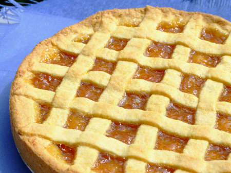 aliment: Close-up of a homemade apricot marmalade tart
