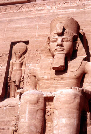 Ramses the seconds statue at the entrance of Abu Simbel temple 版權商用圖片