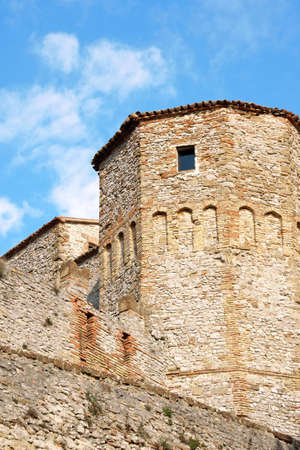 feudal: The castle of Montebello (Mons Belli) was a defensive position in the Val Marecchia. It has feudal origins and had important owners from the Malatesta Family to the counts Guidi di Bagno who received this stronghold from Pope Pius II. Very famous is the l Stock Photo