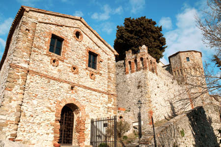 The castle of Montebello (Mons Belli) was a defensive position in the Val Marecchia. It has feudal origins and had important owners from the Malatesta Family to the counts Guidi di Bagno who received this stronghold from Pope Pius II. Very famous is the l Banco de Imagens